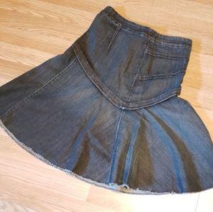 EUC like new!Stylish 7 for All Mankind jean skirt